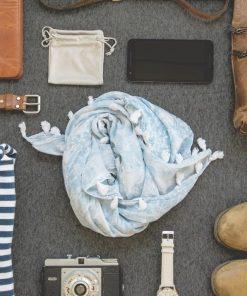 ملابس و اكسسوارات